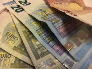 Geldspende Berliner Obdachlosenhilfe