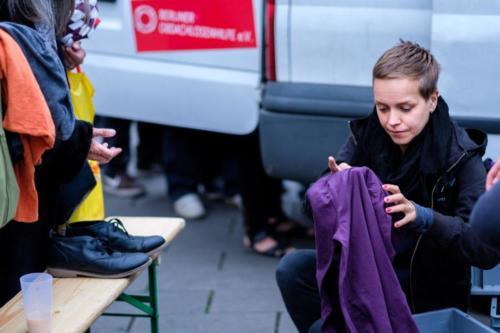 Kleiderausgabe am Alexanderplatz